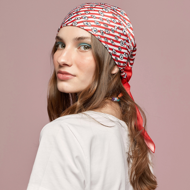 Kadın BEYAZ NAKIŞLI BİSİKLET YAKA PAMUK T-SHIRT 1224950|MUDO